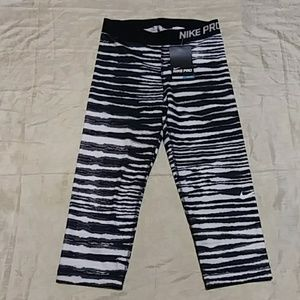 Nike Pro Training Zebra Print Capri Leggings